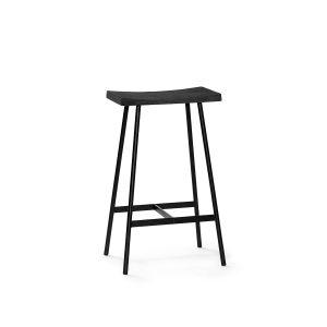 hc2 barstol i pulverlakerede stålstel og sæde i sortlakeret eg fra andersen furniture
