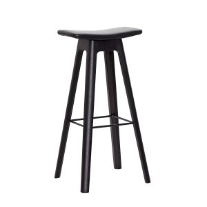 HC1 barstol med sæde i sort læder og understel i sort fra andersen furniture