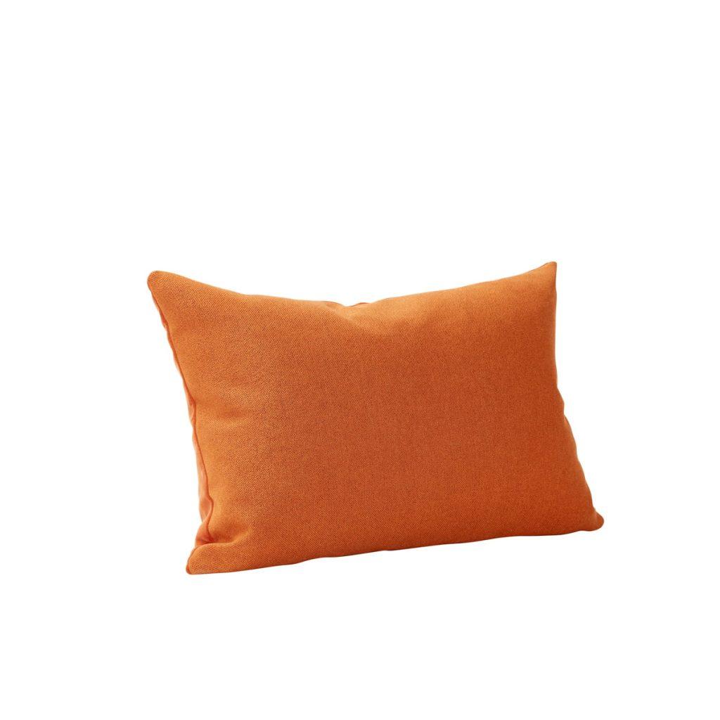 pude med fyld i velour i farven ravgul fra hübsch