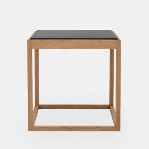 kø cube bord i olieret eg med bordplade i sort marmor af kurt østervig fra klassik studio