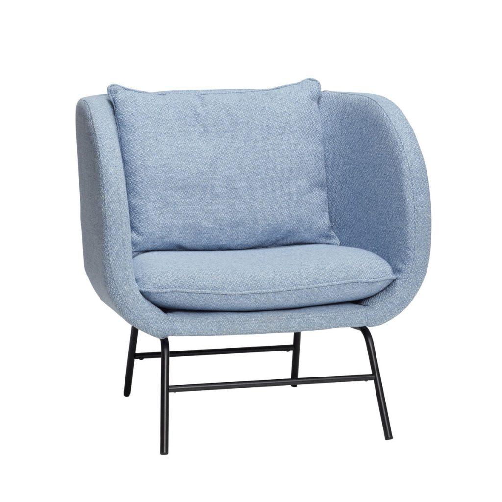 lænestol med metalben i sort og sæde og ryg i lyseblå fra hübsch