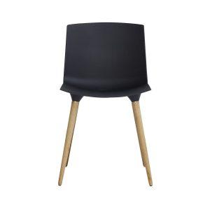 the andersen chair tac spisebordsstol med sæde i sort plast og ben i klar matlakeret eg fra andersen furniture