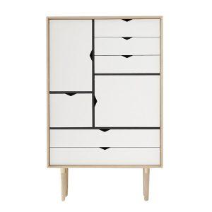 S5 opbevaringsmøbel i sæbebehandlet eg med hvide fronter fra andersen furniture