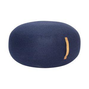 rund puf med læderhank i blå uld fra hübsch