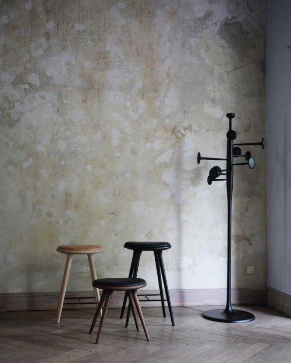 high stool barstole og low stool skammel fra mater