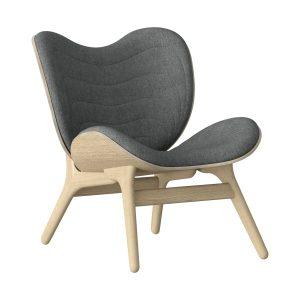 a conversation piece lænestol med lav ryg i eg og sæde i slate grey fra umage