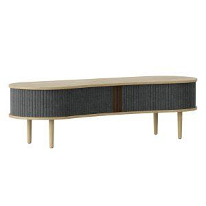audacious tv bord og siddemøbel i eg med jalousidøre i tekstil i farven slate grey fra umage
