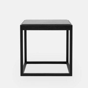 kø cube bord i sortbejdset eg med bordplade i lysegrå marmor af kurt østervig fra klassik studio