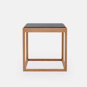 kø cube bord i olieret eg med bordplade i grå marmor af kurt østervig fra klassik studio