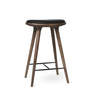 high stool barstol H69 i mørklakeret eg fra mater