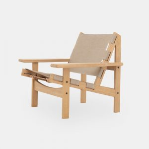 jagtstolen model 168 af kurt østervig i sæbebehandlet eg og sæde og ryg i kanvas fra klassik studio