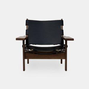 jagtstolen model 168 af kurt østervig i røget eg og sort sæde og ryg fra klassik studio