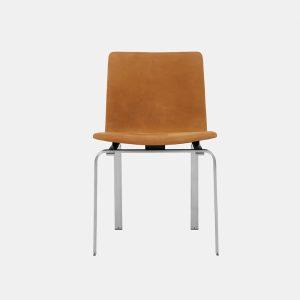 jh 3 spisebordsstol med stel i børstet stål og polstret sæde i dunes cognac fra klassik studio