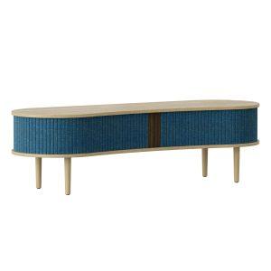 audacious tv bord og siddemøbel i eg med jalousidøre i tekstil i farven petrol blue fra umage